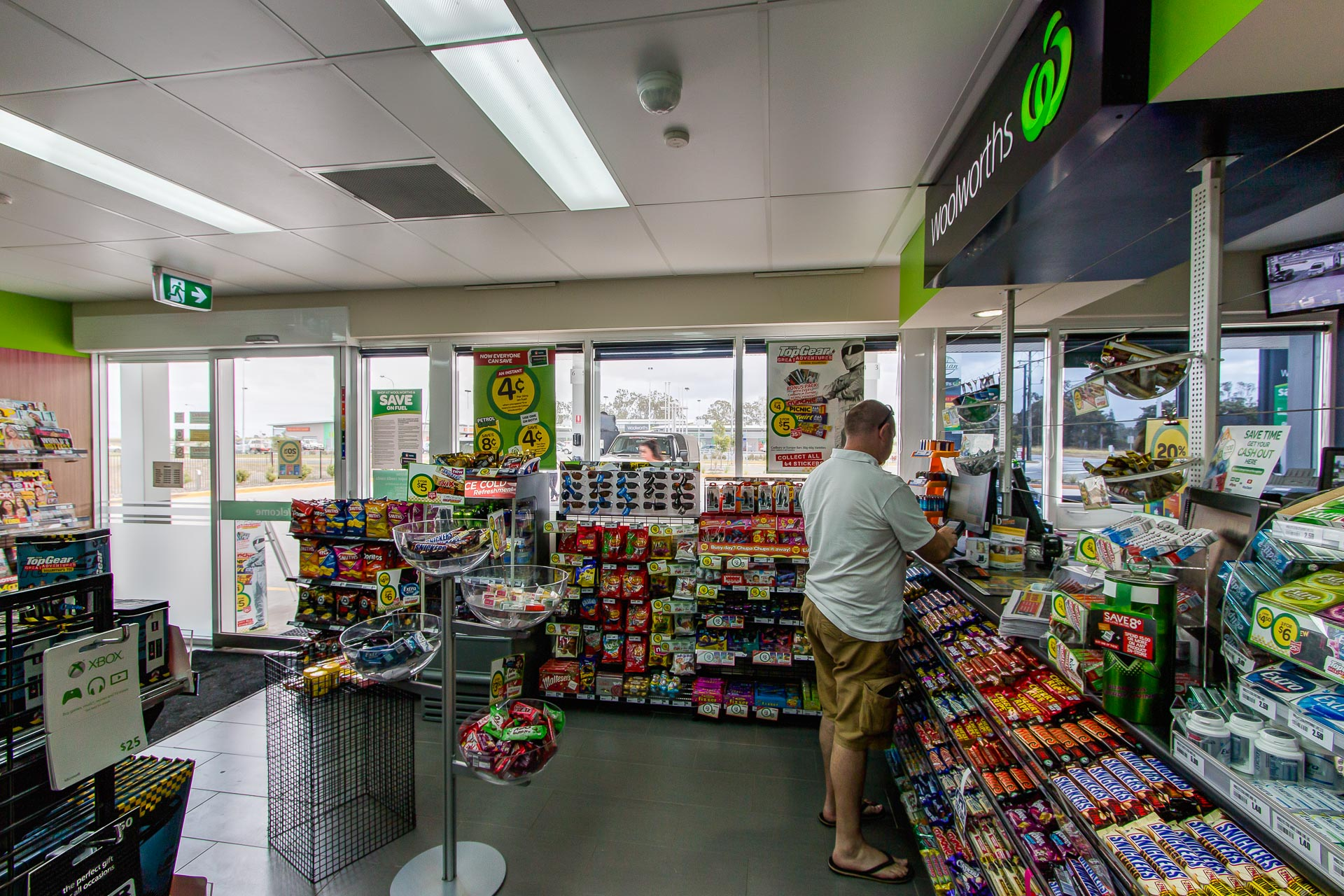 commercial photography of mtc woolworths caltex servo